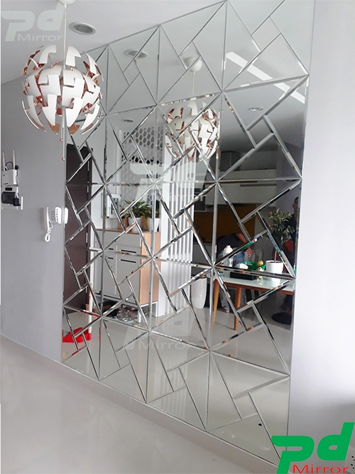 Gương ghép tam giác